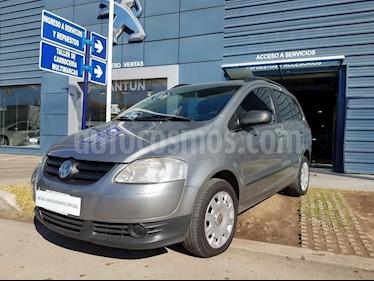 Foto venta Auto Usado Volkswagen Suran 1.6 Track (2006) color Gris Oscuro precio $130.000
