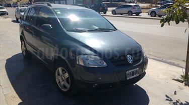 Foto venta Auto usado Volkswagen Suran 1.6 Trendline (2006) color Gris Oscuro precio $165.000