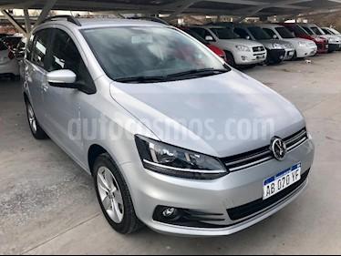 Foto venta Auto Usado Volkswagen Suran 1.6 Trendline (2017) color Gris Claro precio $335.000