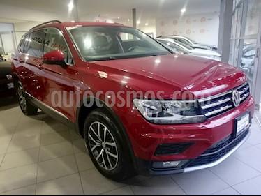 Foto venta Auto Seminuevo Volkswagen Tiguan Comfortline (2018) color Rojo Rubi precio $429,500