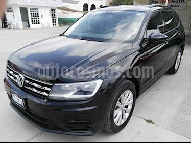 Foto venta Auto Seminuevo Volkswagen Tiguan Trendline Plus (2018) color Negro Profundo precio $355,000