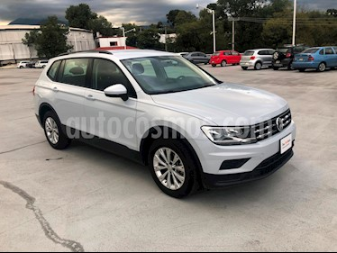 Foto venta Auto Seminuevo Volkswagen Tiguan Trendline Plus (2018) color Blanco precio $390,000