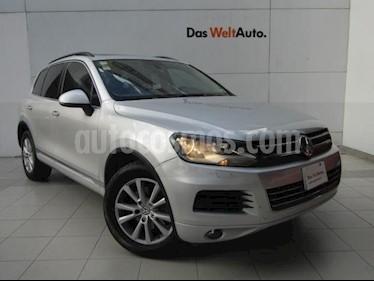 Foto venta Auto Usado Volkswagen Touareg 3.0L TDI (2013) color Plata precio $329,000