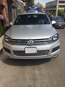 Foto venta Auto usado Volkswagen Touareg 3.0L V6 TDi Navegacion  (2013) color Plata precio $800,000