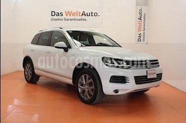Foto venta Auto Seminuevo Volkswagen Touareg 3.0L V6 TDi  (2014) color Blanco precio $430,000