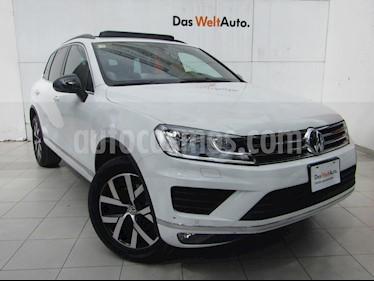 Foto venta Auto usado Volkswagen Touareg 3.0L V6 TDI (2018) color Blanco precio $899,000