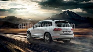 Foto venta Auto nuevo Volkswagen Touareg 4.2 TSi Premium color Plata