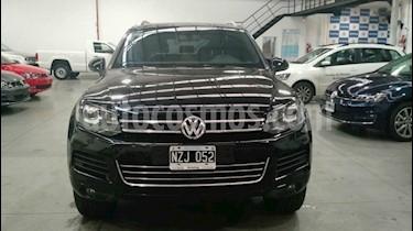 Foto venta Auto usado Volkswagen Touareg 4.2 V8 (2014) color Negro precio $585.000