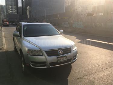 Foto venta Auto Seminuevo Volkswagen Touareg 4.2L V8 (2006) color Plata precio $150,000