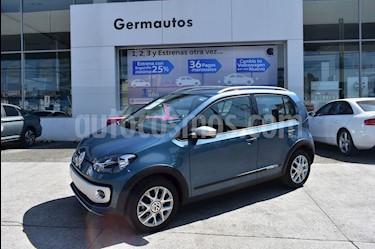 Foto venta Auto Seminuevo Volkswagen up! cross up! (2017) color Azul Noche precio $175,000