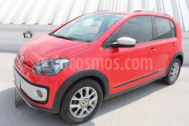 Foto venta Auto Seminuevo Volkswagen up! cross up! (2017) color Rojo Flash precio $169,000