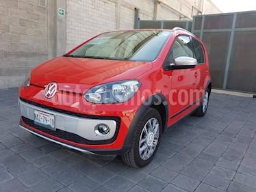Foto venta Auto Seminuevo Volkswagen up! cross up! (2017) color Rojo Flash precio $180,000
