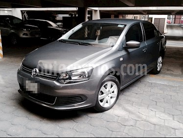 Foto venta Auto usado Volkswagen Vento 1.6L (2014) color Gris precio $145,000