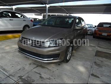 Foto venta Auto Seminuevo Volkswagen Vento 1.6L (2018) color Beige precio $215,000