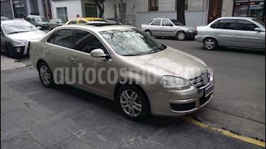 foto Volkswagen Vento 2.5 Advance Tiptronic