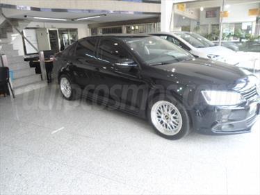 foto Volkswagen Vento 2.5 Luxury (170Cv)