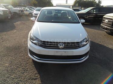 Foto Volkswagen Vento 4p Confortline L4/1.6 Man
