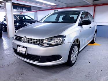Foto venta Auto Seminuevo Volkswagen Vento Active Aut (2015) color Plata precio $155,000