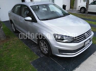 Foto venta Auto Seminuevo Volkswagen Vento Comfortline Aut (2018) color Gris Carbono precio $197,000
