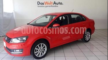 Foto venta Auto Seminuevo Volkswagen Vento Highline (2018) color Rojo precio $239,900