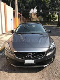 Foto venta Auto Seminuevo Volvo V40 Cross Country Kinetic (2014) color Gris Titanio precio $200,000