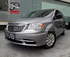 Foto venta Auto Seminuevo Chrysler Town and Country Li 3.6L (2013) color Plata precio $169,900