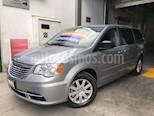 Foto venta Auto Seminuevo Chrysler Town and Country Li 3.6L (2015) color Plata Martillado precio $259,000
