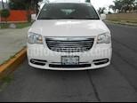 Foto venta Auto Seminuevo Chrysler Town and Country Touring 3.6L (2013) color Blanco precio $245,000