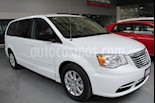 Foto venta Auto Seminuevo Chrysler Town and Country Touring 3.6L (2016) color Blanco precio $339,000