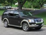 Foto venta carro usado Ford Explorer Limited 4.6L Aut (2010) color Negro Onix precio BoF1.000.000