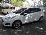 Foto venta Carro usado Ford Fiesta Titanium Aut (2014) color Blanco Oxford precio $39.000.000