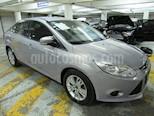 Foto venta Auto Seminuevo Ford Focus SE 4-ptas AT (2014) color Gris Espejo precio $175,000