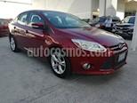 Foto venta Auto Seminuevo Ford Focus SE 4-ptas (2013) color Rojo precio $136,000