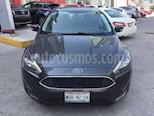 Foto venta Auto Seminuevo Ford Focus SE Appearance Aut (2015) color Gris precio $189,000