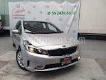 Foto venta Auto Seminuevo Kia Forte EX (2018) color Plata precio $260,000