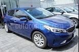 Foto venta Auto Seminuevo Kia Forte HB EX Aut (2017) color Azul precio $235,000