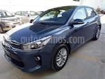 Foto venta Auto Usado Kia Rio Hatchback EX (2018) color Azul precio $270,000