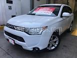 Foto venta Auto Seminuevo Mitsubishi Outlander 2.4L ES (2014) color Blanco precio $199,000