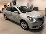 Foto venta Auto Seminuevo Nissan Versa ADVANCE TA AC (2017) color Plata precio $206,000
