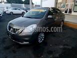 Foto venta Auto Seminuevo Nissan Versa Sense  (2014) color Acero precio $135,000