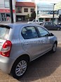 Foto venta Auto usado Toyota Etios Hatchback XLS (2014) color Gris Plata  precio $355.000