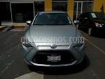 Foto venta Auto Seminuevo Toyota Yaris R LE Aut (2017) color Plata precio $240,000
