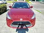 Foto venta Auto Seminuevo Toyota Yaris R LE (2017) color Rojo precio $220,000