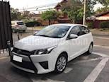 Foto venta carro usado Toyota Yaris 1.3L 5P Aut (2015) color Plata precio BoF6.200.000