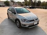 Foto venta Auto Seminuevo Volkswagen CrossGolf 1.4L (2017) color Plata Tungsteno precio $295,000