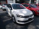Foto venta Auto Seminuevo Volkswagen Vento Comfortline (2018) color Blanco Candy precio $215,575