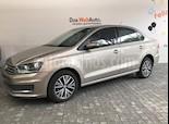 Foto venta Auto Seminuevo Volkswagen Vento Comfortline (2017) color Beige precio $179,000