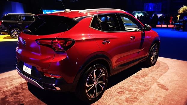 Buick Encore GX 2020 - trasera