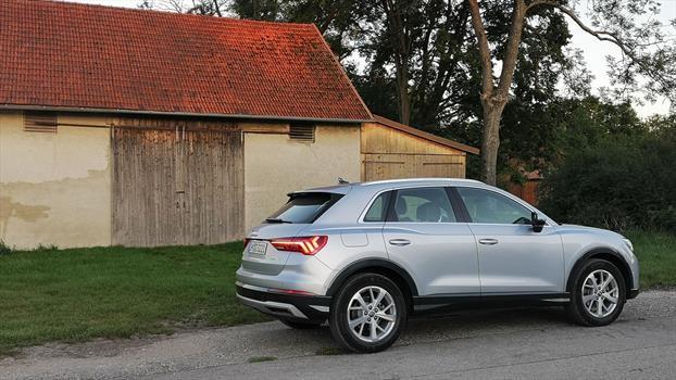 Audi Q3 2020 - trasera