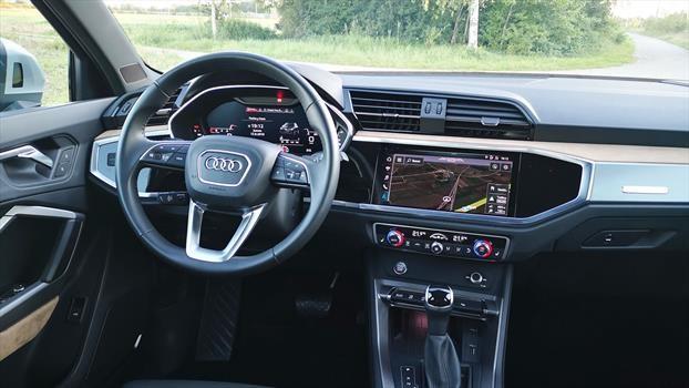 Audi Q3 2020 - interior